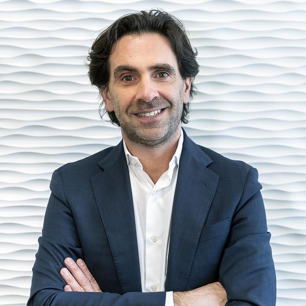 Photo of Hugo Pizarro